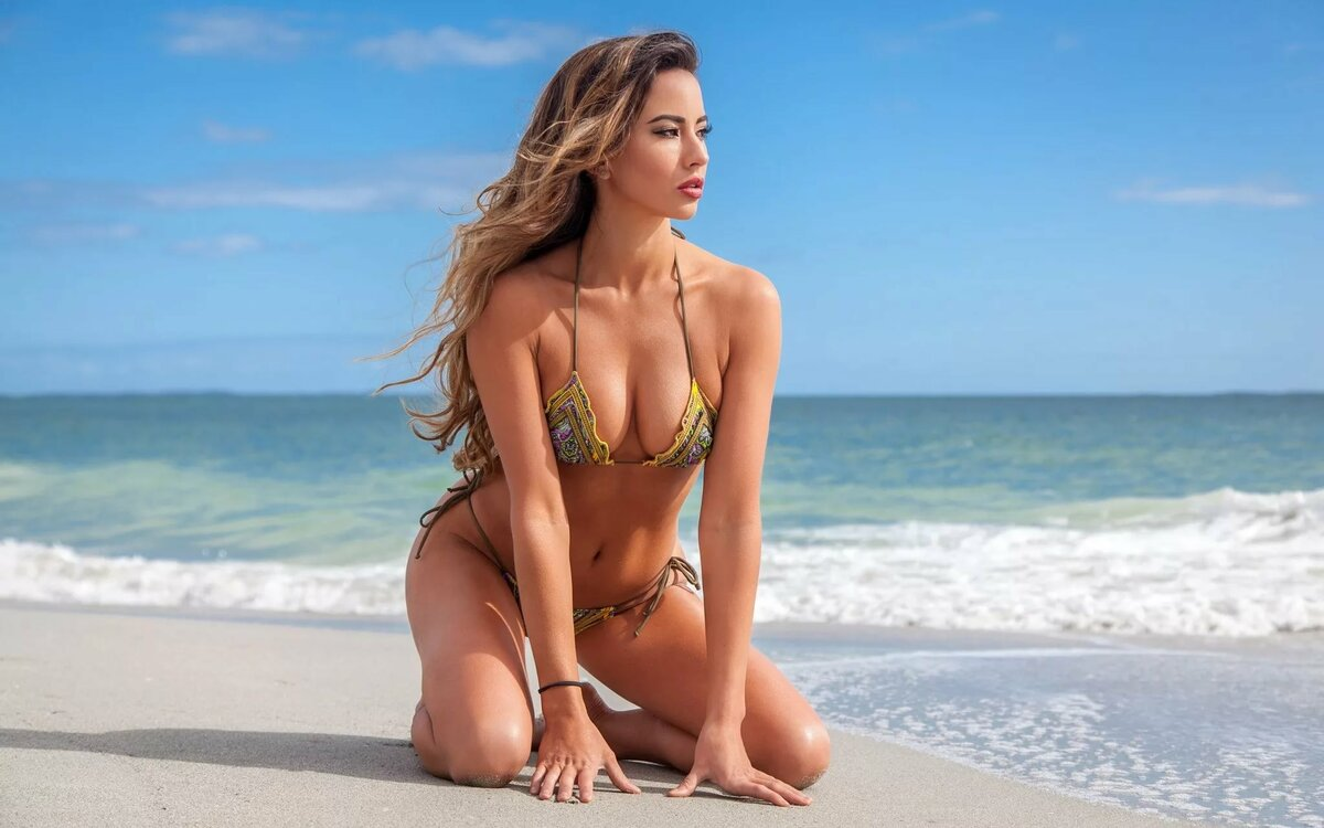 Голые Фотомодели На Пляже
