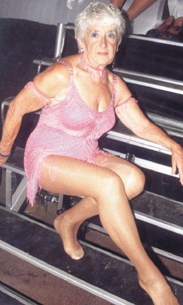 Голая Бабушка 18