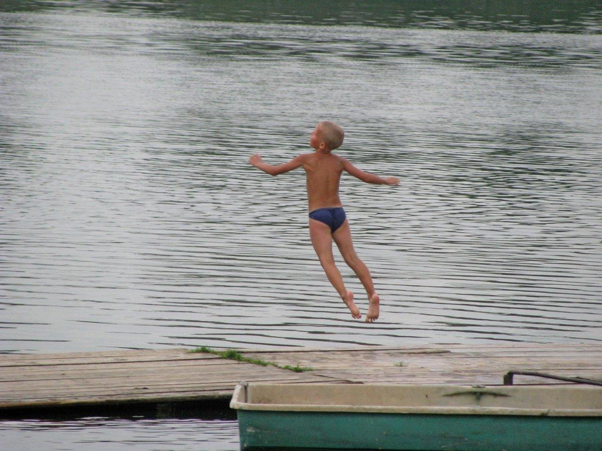 Голые Мальчики На Озере
