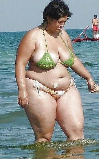 Голые Жирные На Пляже