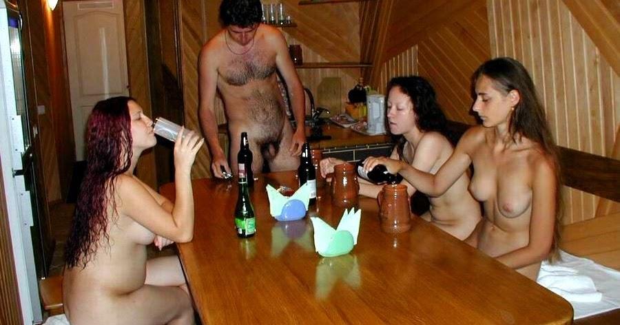 Пьяные Голые В Сауне