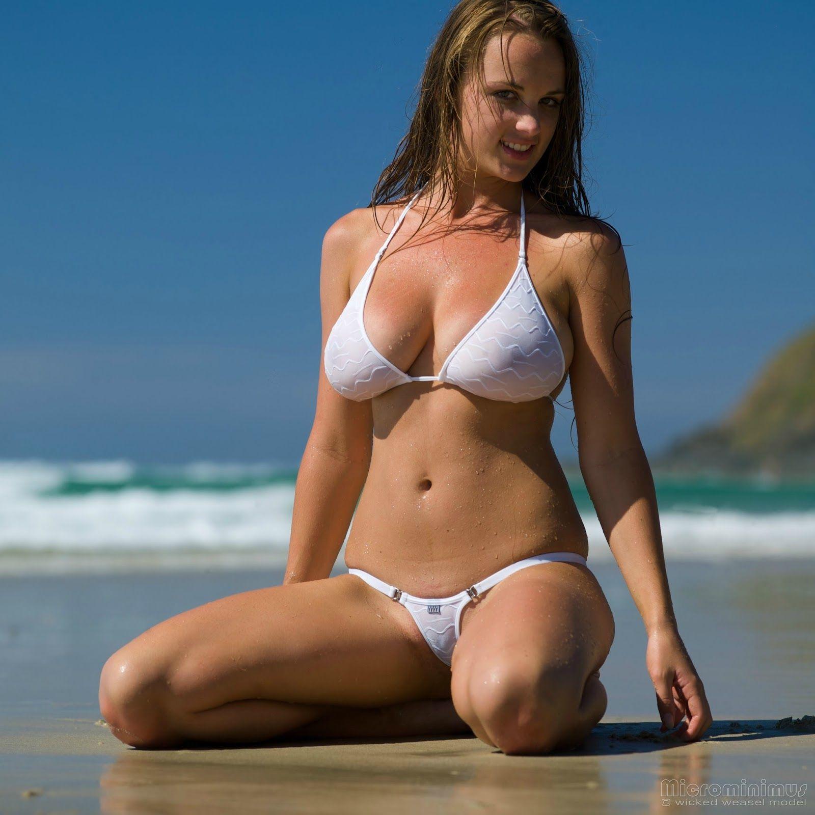 Красивые Зрелые На Пляже Голые