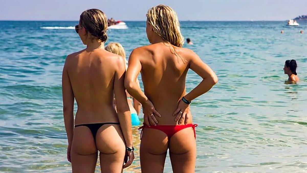 Голые Анусы На Пляже