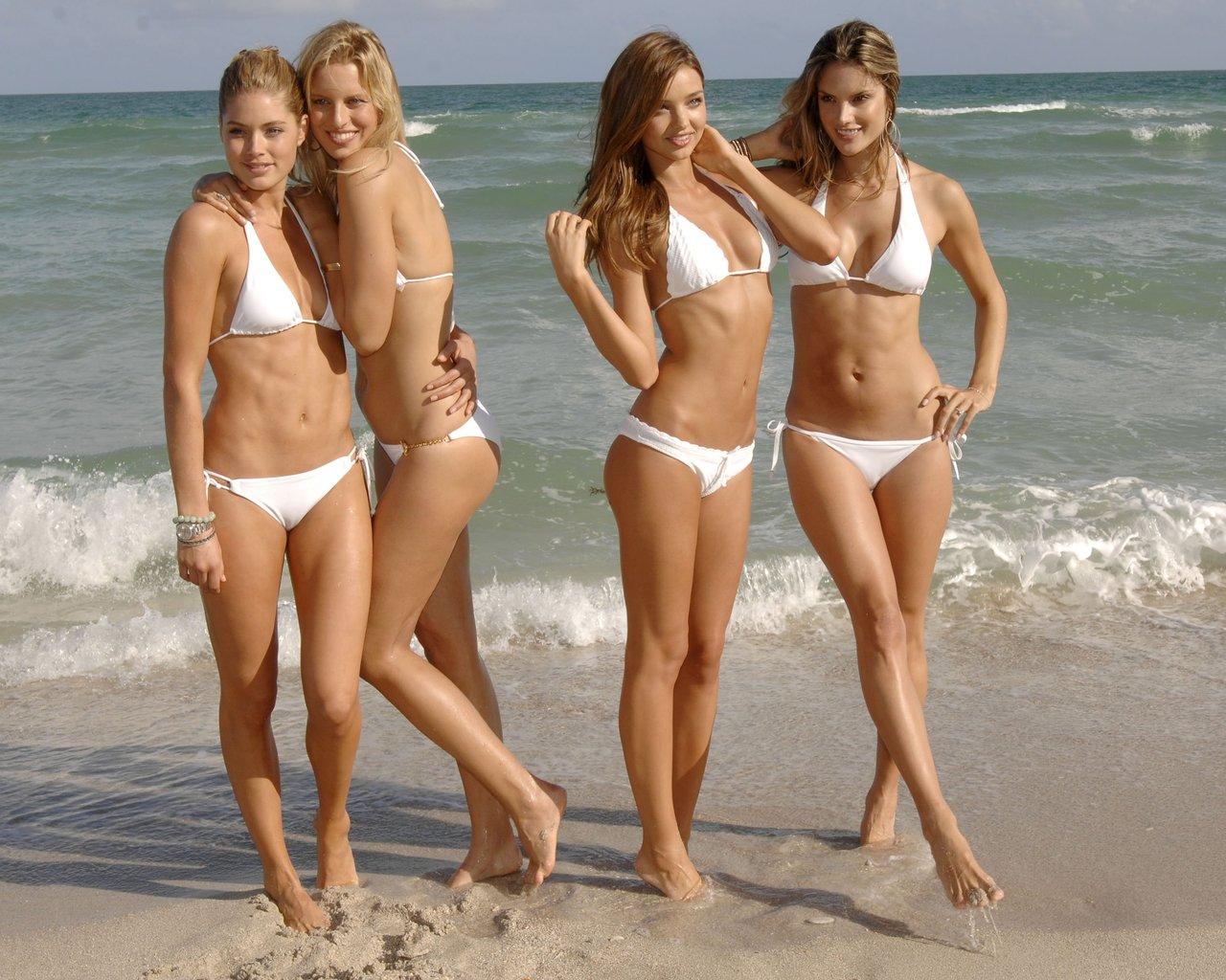 Фотографии Голых На Пляже