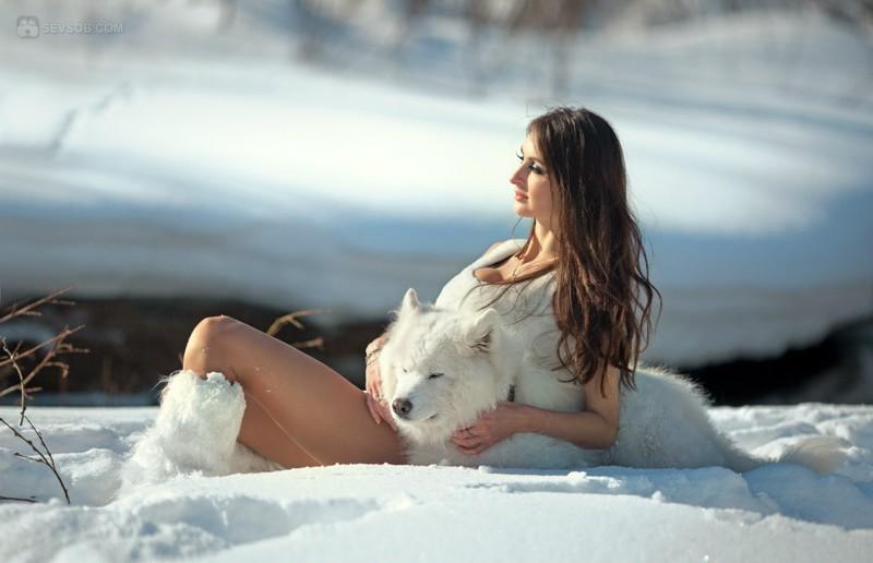 Красивая Голая Баба На Снегу Фото