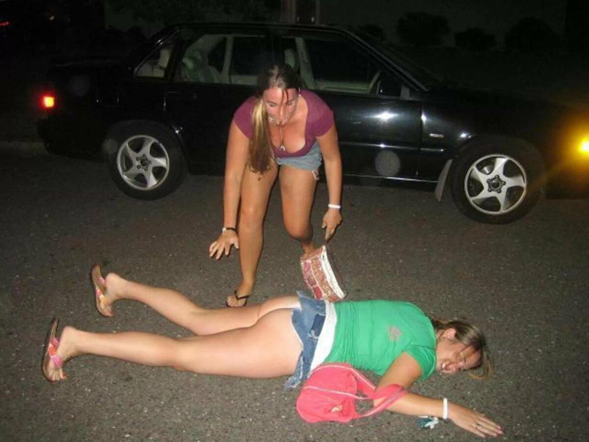 Голые Пьяные Девки Домашнее Фото