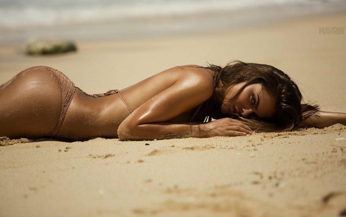 Фотографии Голых Женщин На Пляже