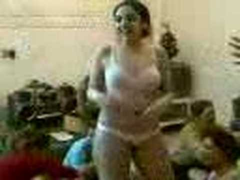 Голая Жена Танцует Домашнее