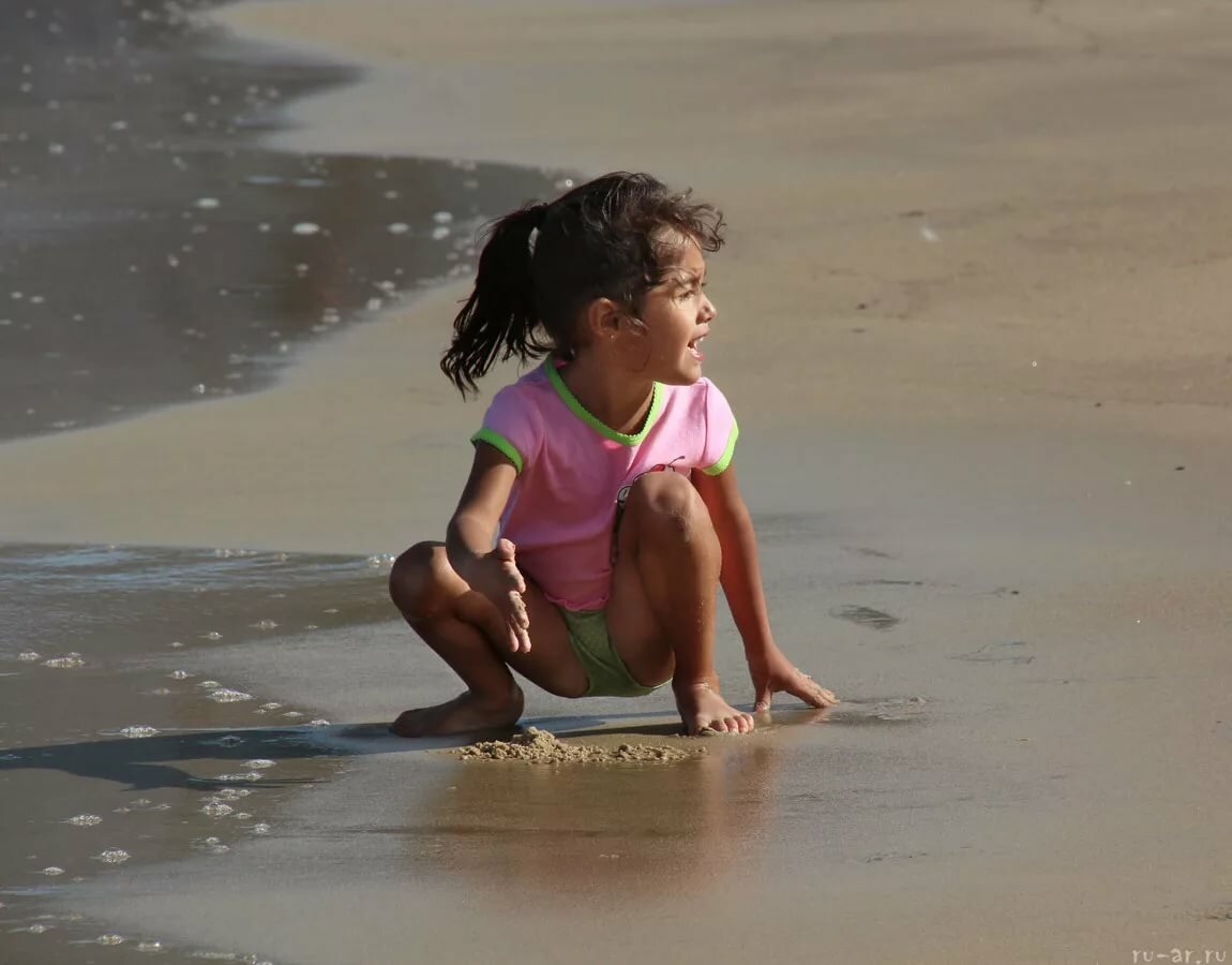 Голые Дети На Пляже Фотографии