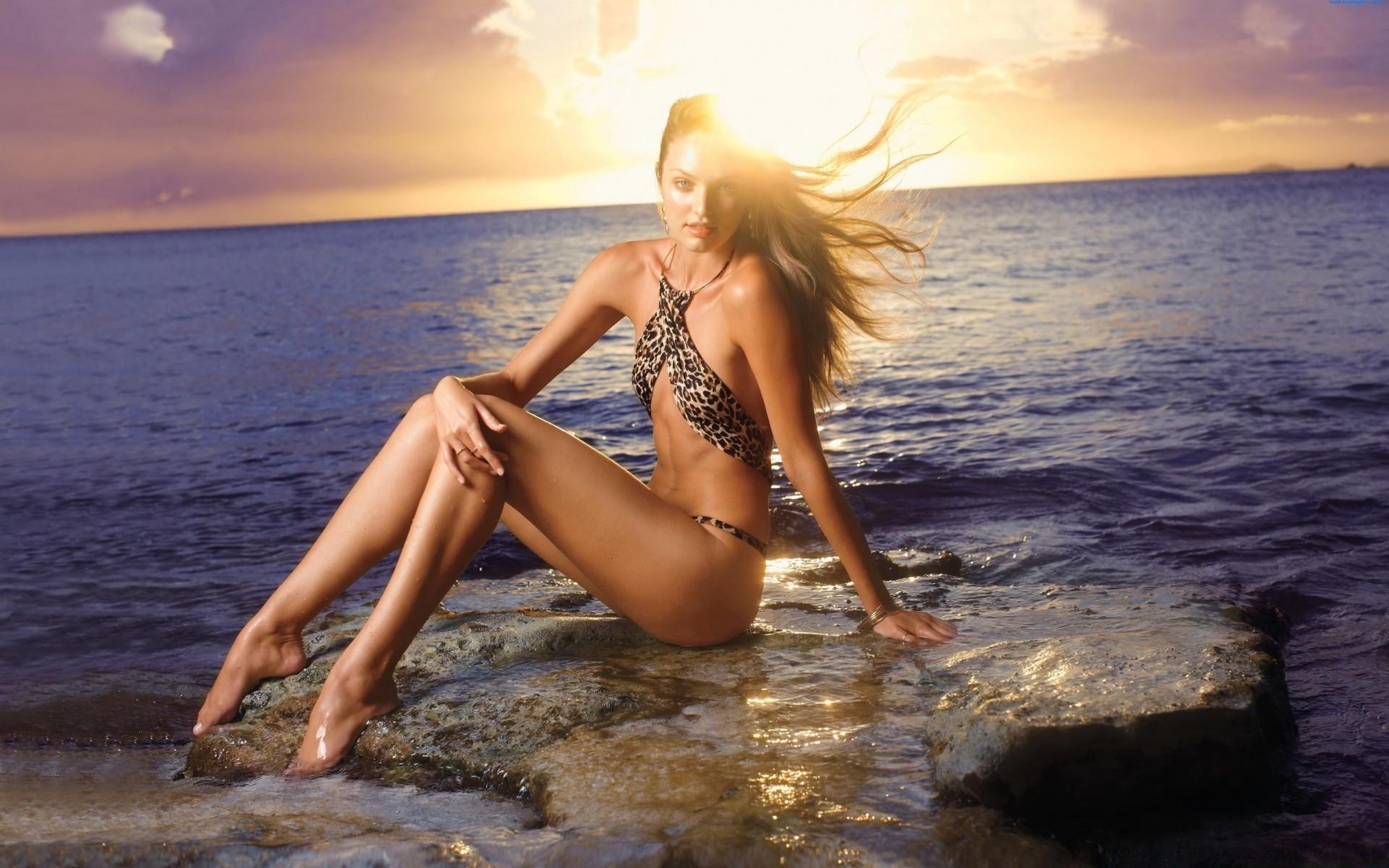 Красивые Голые Тела На Пляже