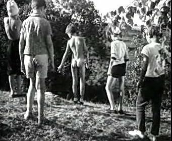 Эрорассказ Подростки Голый Мальчик Одетые Девочки