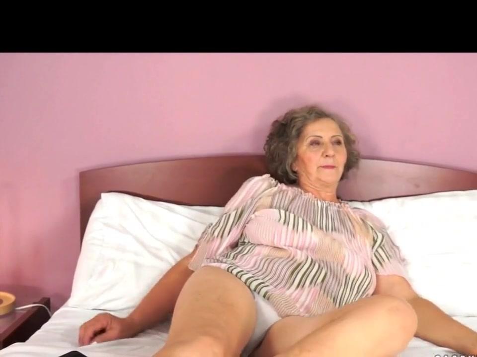 Видео Голых Мастурбирующих Зрелых Женщин