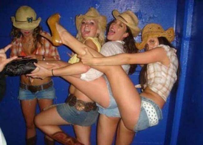 Пьяные Девушки Танцуют Голыми
