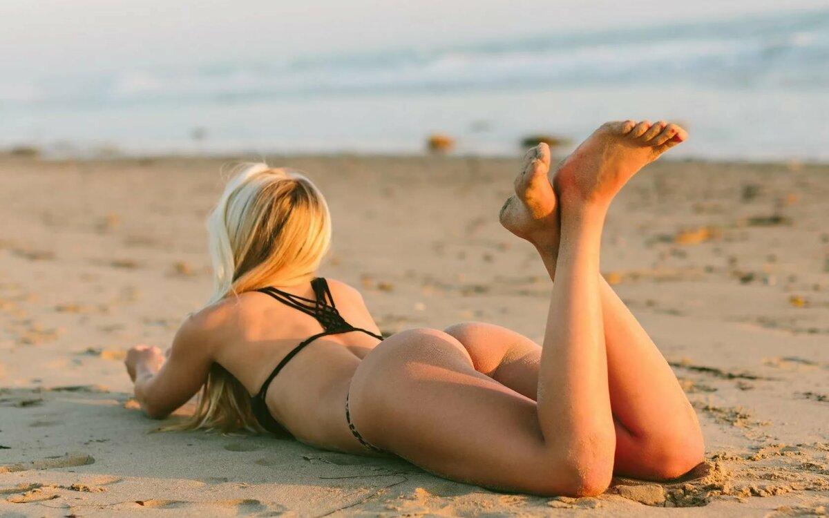 Голые На Пляже Бесплатно Без Регистрации