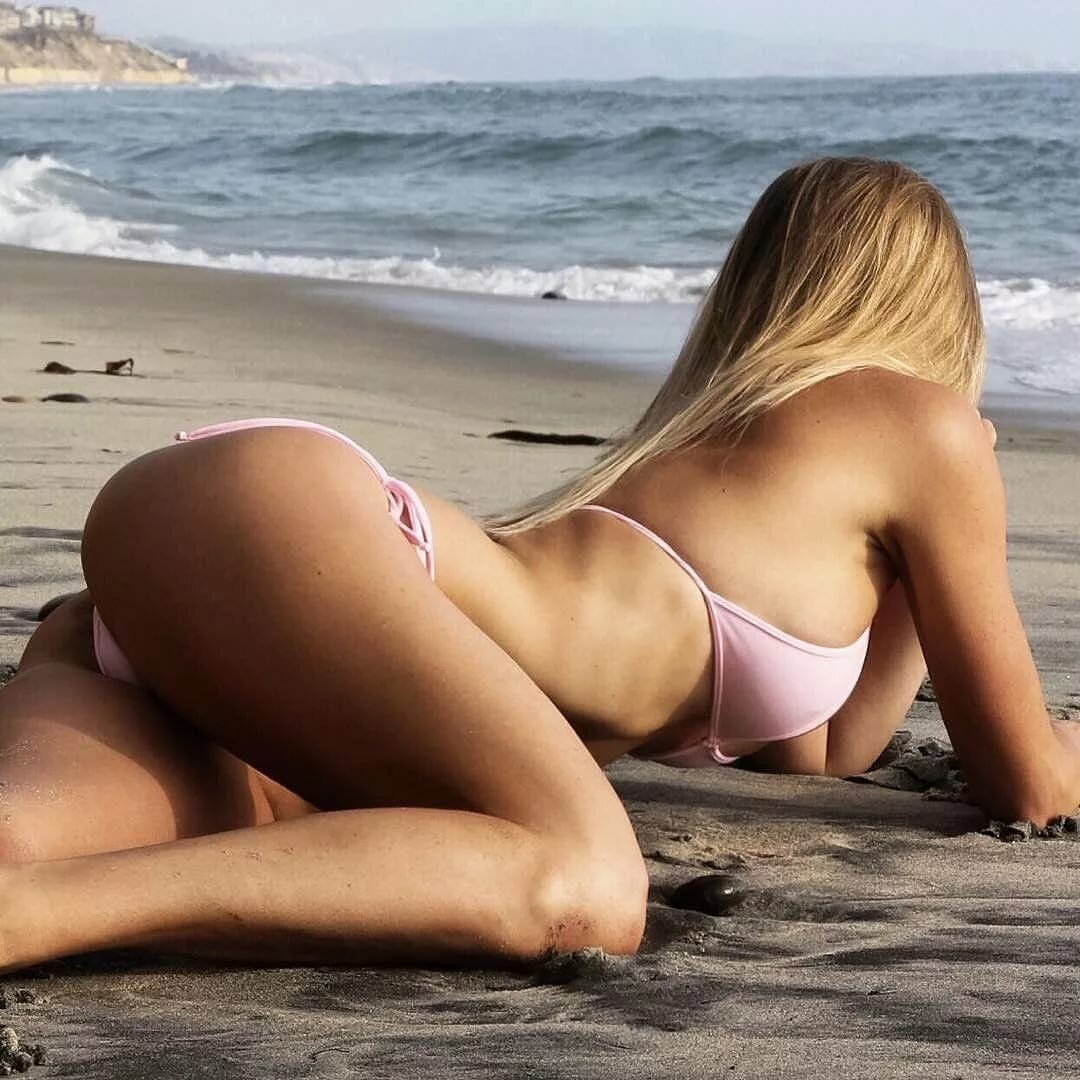 Голые За 40 На Пляже