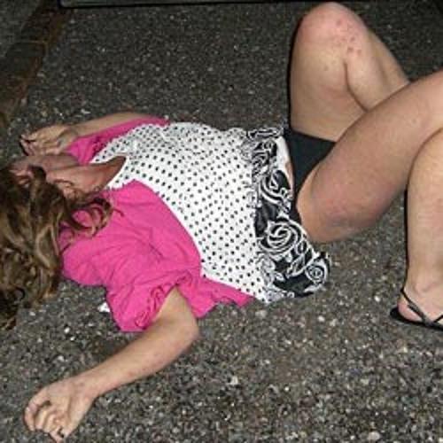 Фото Голых Пьяных Баб На Улице