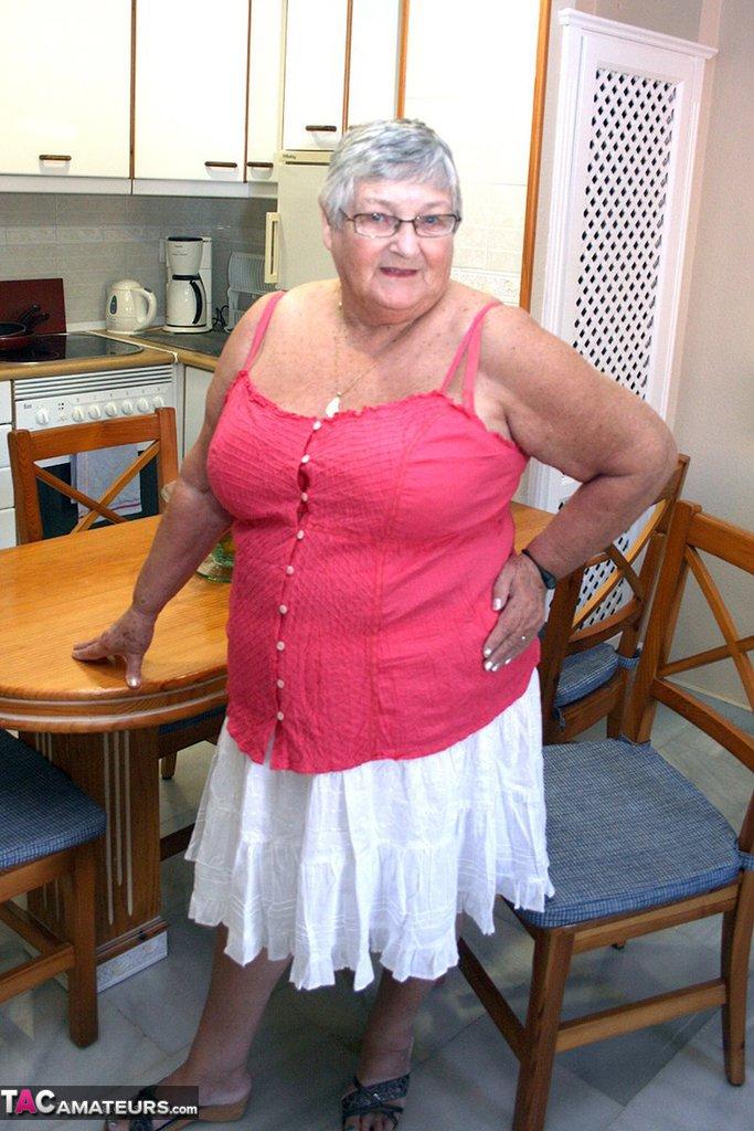 Большие Толстые Бабушки Голые