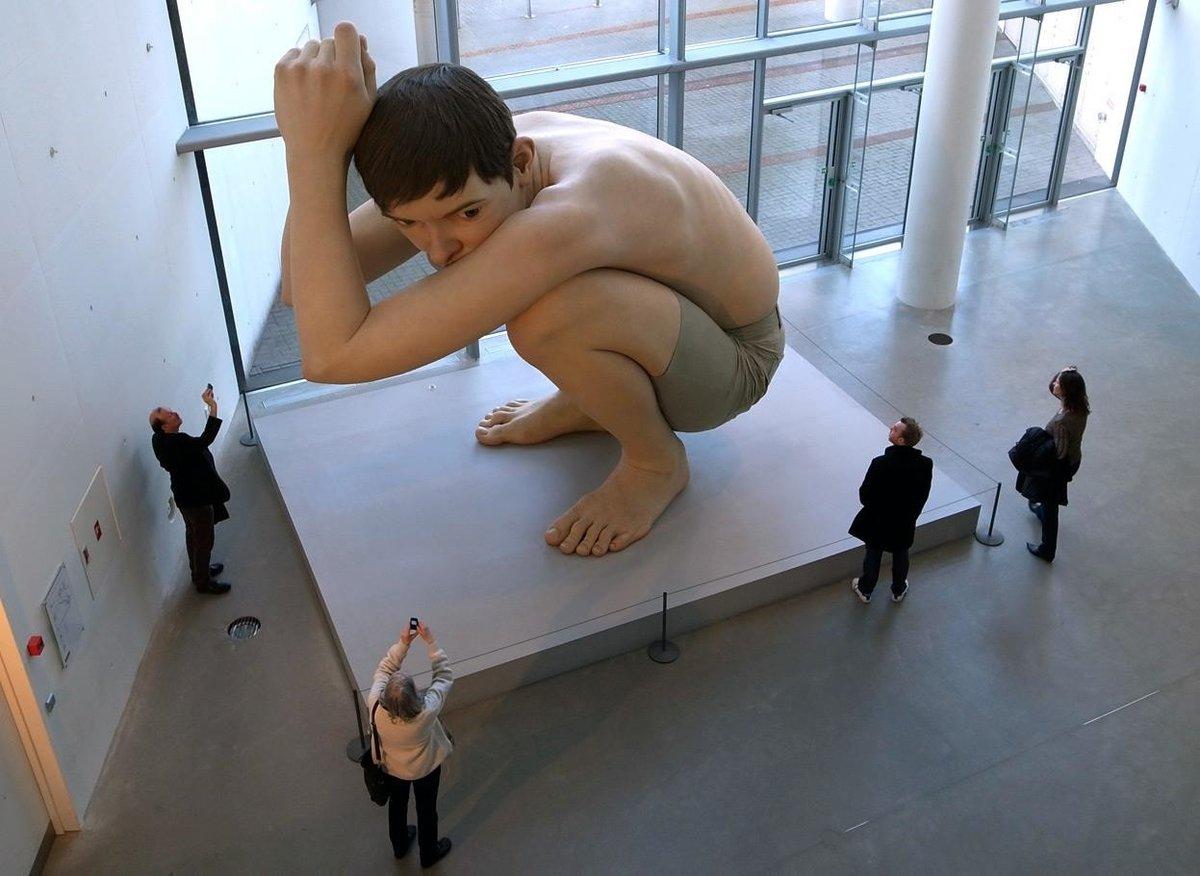 Голые И Смешные В Музее