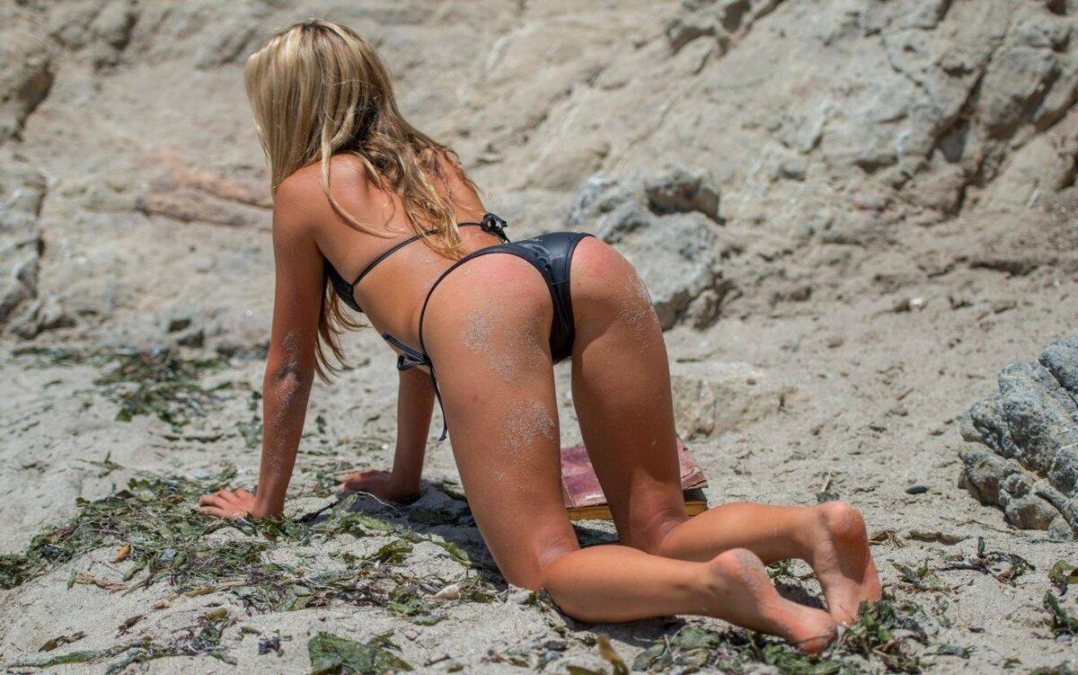 Голые Разукрашенные Девушки На Пляже