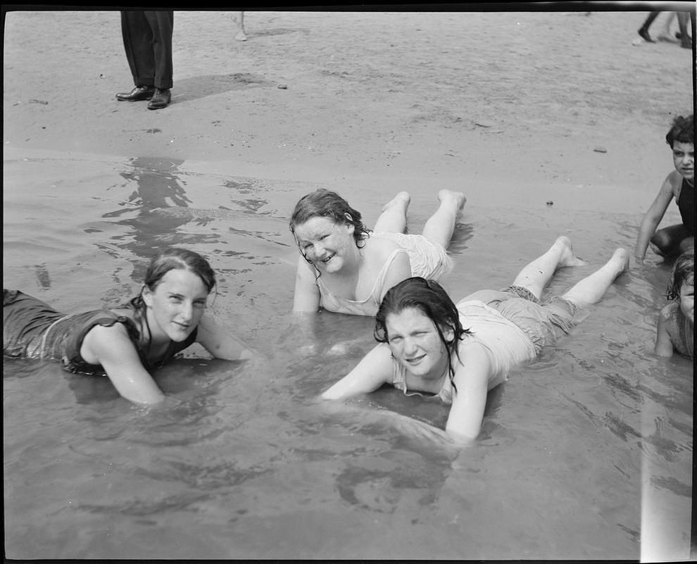 Голые Девочки На Пляже 30 40 Годов