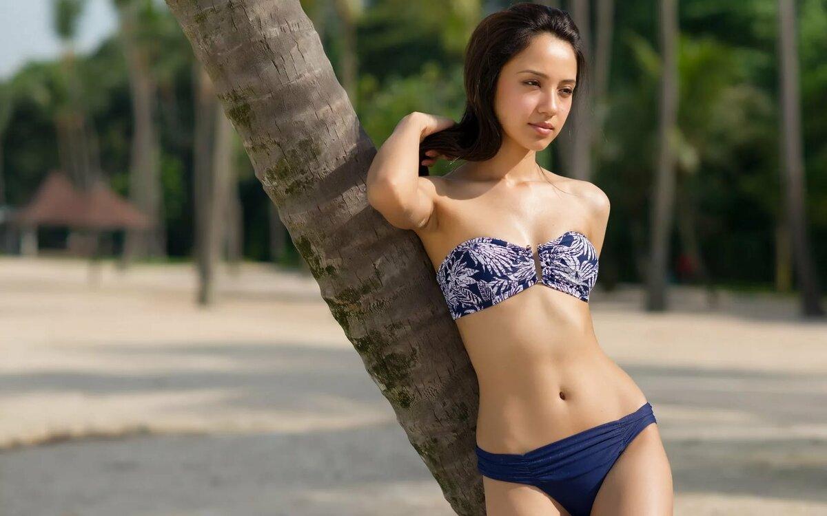 Голые Тайки На Пляже