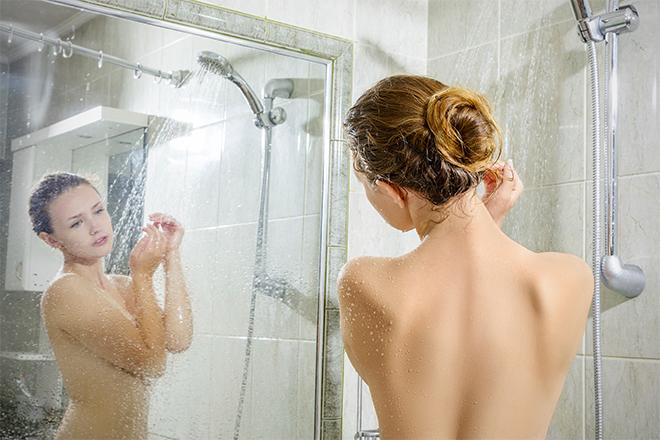 Голая Мама Купается В Ванной