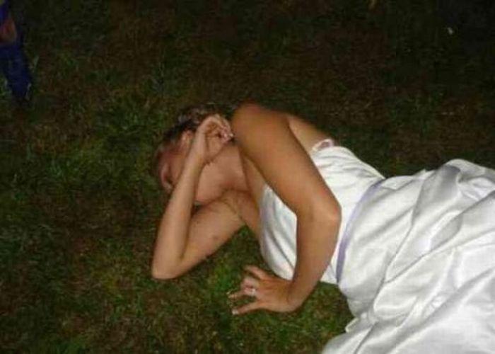 Голая В Хлам Пьяная Девушка