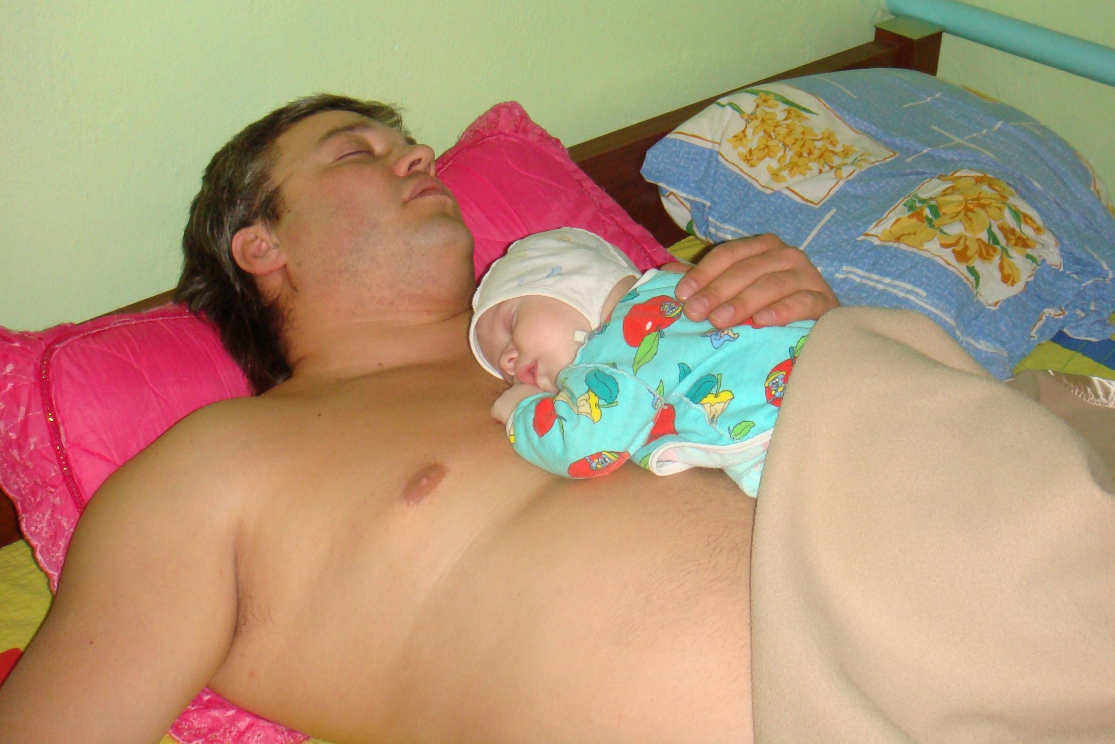 Голые Сиськи Спящей Мамы
