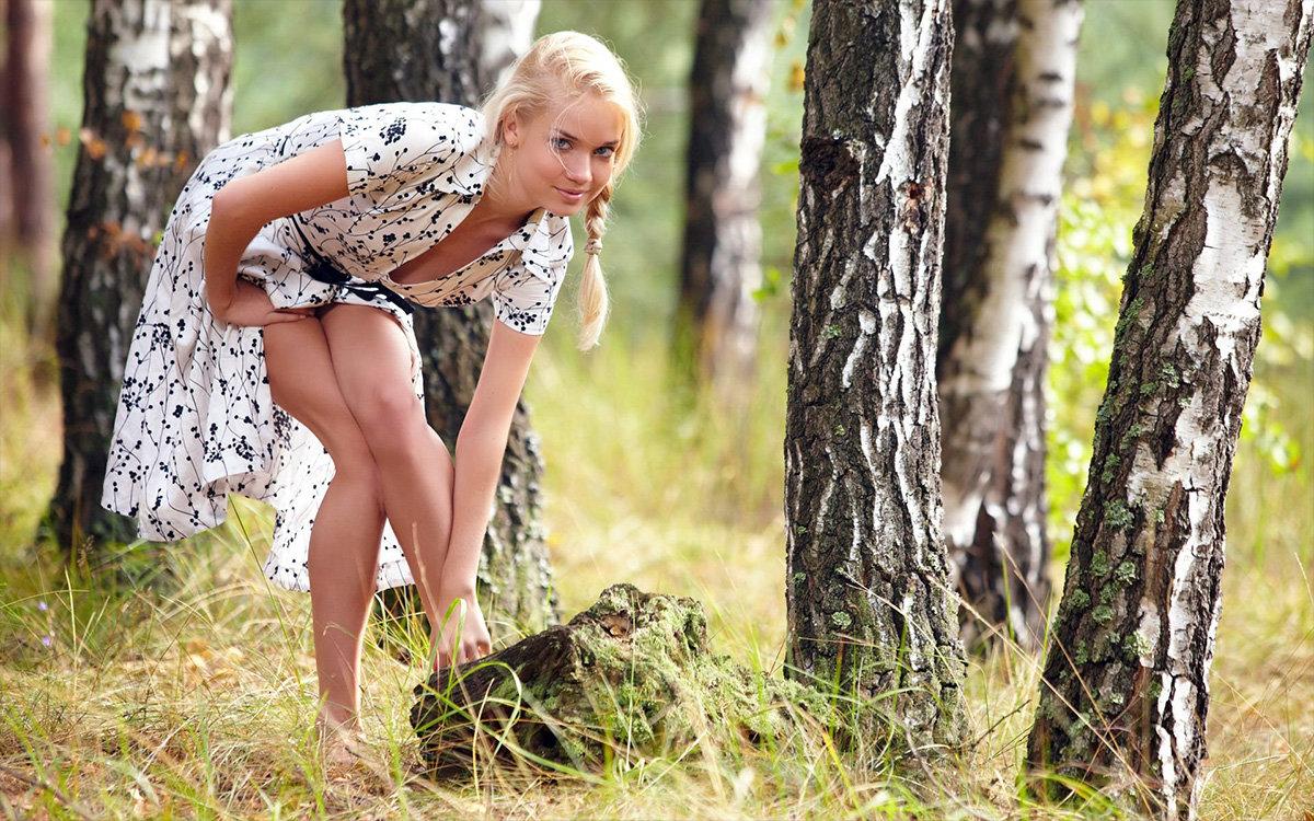 Голые Тетки В Лесу