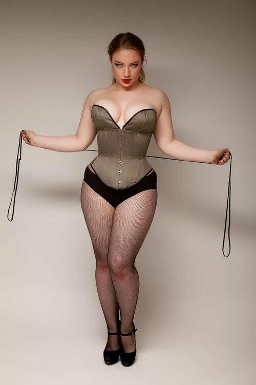 Голые Толстые Фигуры Девушки