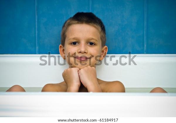 Голый Мальчик 12 Лет Дрочит