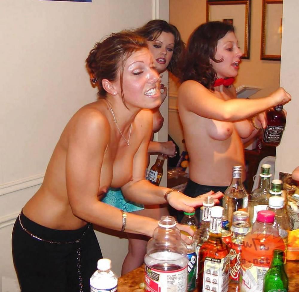 Пьяные Бабы Раздеваются Голые
