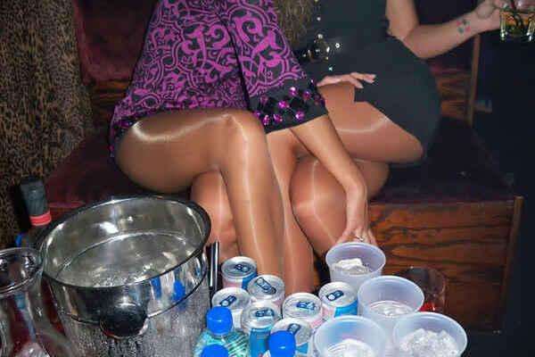 Пьяные Голые Бабы Сперма