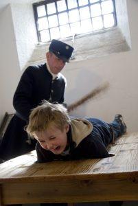 Рассказ Наказание Голого Мальчика