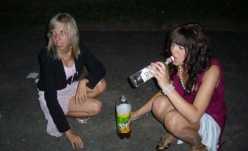 Скачать Пьяные Голые Дуры
